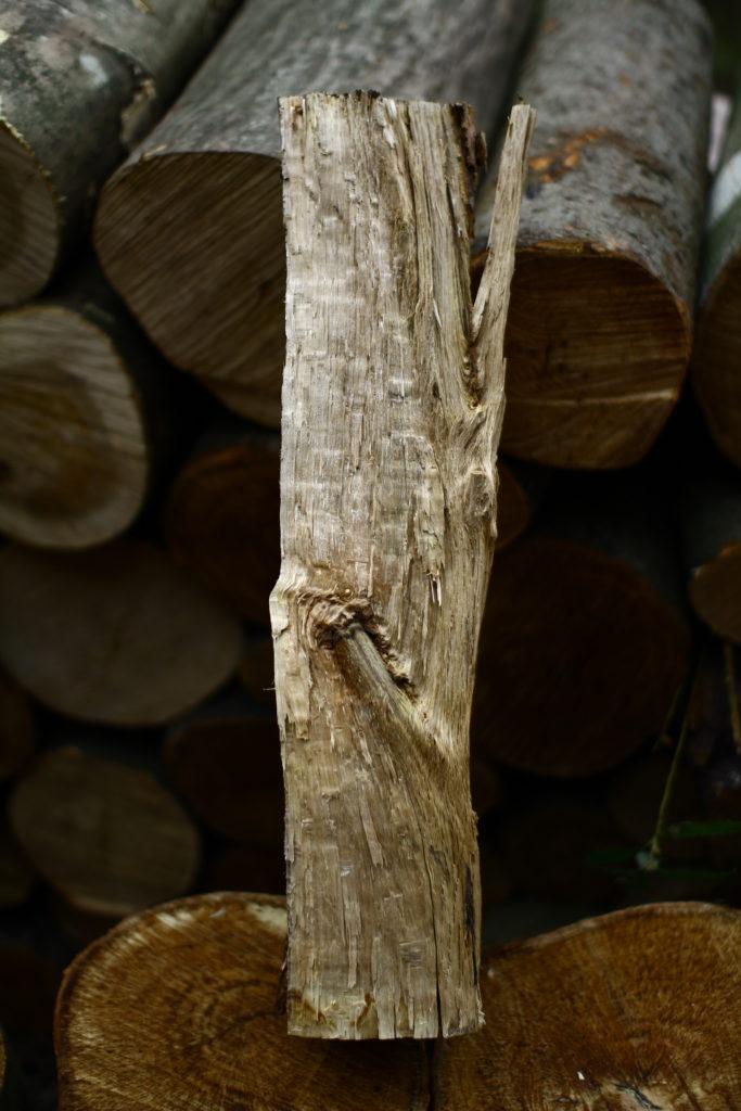 薪割した木